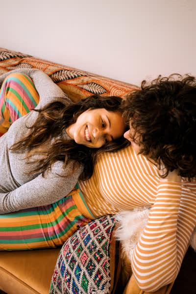 Date Night zu Hause: Mit diesen Tipps bringt ihr Schwung in eure Beziehung