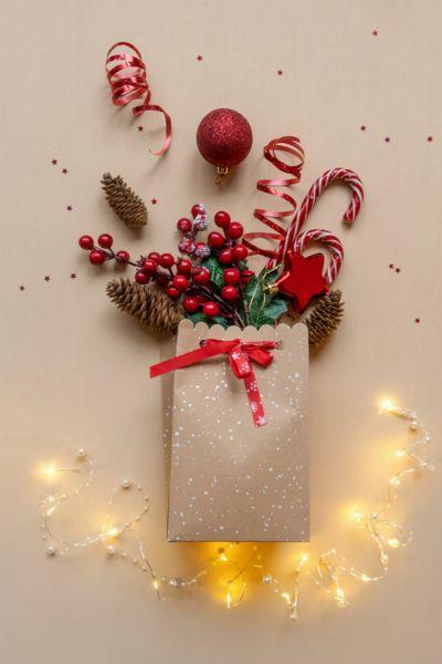 Große und sperrige Geschenke hübsch verpacken? Das ist die beste DIY-Idee aller Zeiten -und perfekt für Weihnachten 2020!