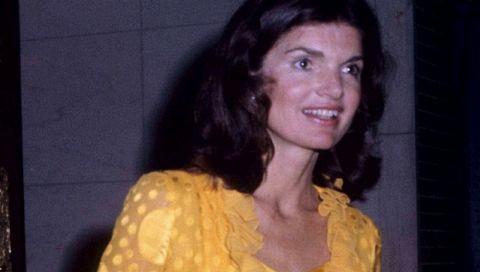Gelbe Kleider: Jackie Kennedy machte mit diesem spektakulären Look vor, wie wir sie jetzt tragen wollen