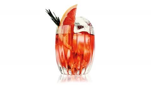 Negroni mit Rum: So schmeckt der Sommer 2021