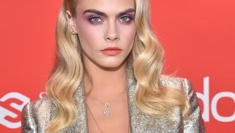 Make-up-Tipp: Diese knallige Farbe in Ihrer Lidschatten-Palette lässt Ihre Augen strahlen