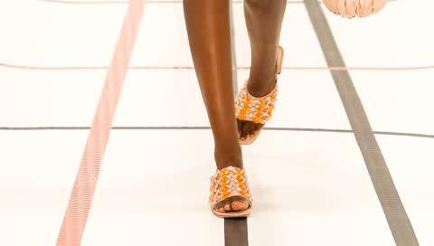 Must-have Schuhe im Sommer: Auf diese 5 Modelle freuen wir uns - und so tragen wir sie