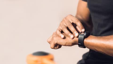 Günstige Fitness Tracker: 5 Preis-Leistungs-Kracher von Xiaomi, Garmin und Co.