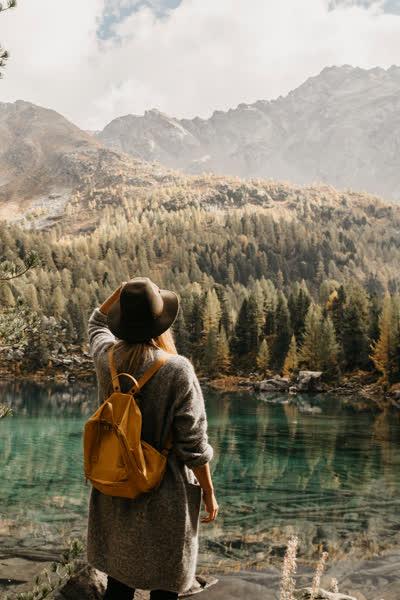 Rucksack richtig packen: Diese 12 Dinge gehören mit auf jede Wanderung in den Bergen