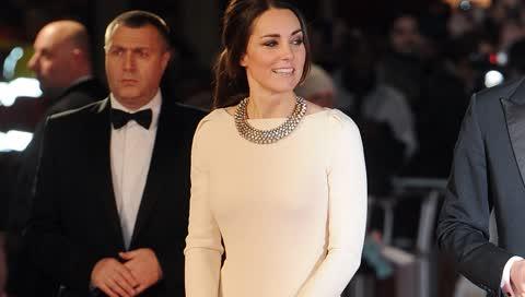 Strahlend: 10 weiße Kleider, in denen Kate Middleton die ultimative Hochzeits-Inspiration war