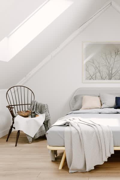 Einfache Tipps: So kannst du einen Raum mit Dachschräge streichen und einrichten!
