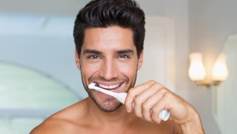 Die besten elektrischen Zahnbürsten 2021: 6 Produkte für weiße Zähne