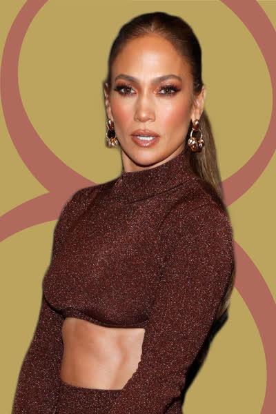 Jennifer Lopez: Die Sängerin trägt einen der angesagtesten Rock-Trends für den Herbst - und ihr könnt die schönsten Modelle hier direkt nachshoppen