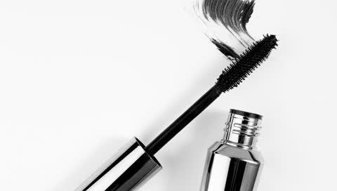 Die beste Wimperntusche 2021 - von Make-up Artists empfohlen