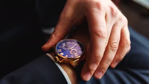Knigge für Uhren: Metallarmband oder ein Lederarmband - wann passt was?