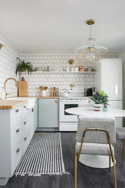 Kleine Küche einrichten: 18 geniale Tipps, mit denen der Mini-Raum größer wirkt