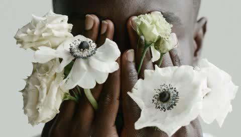 Von Glossier zu Tommy Hilfiger: Diese Mode- und Beauty-Brands gehen wirklich gegen Rassismus vor