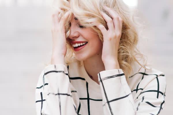 """Genialer Hairstyle für feines Haar: """"Fluffy Hair"""" ist der schönste Undone-Hairstyle mit jeder Menge Volumen"""