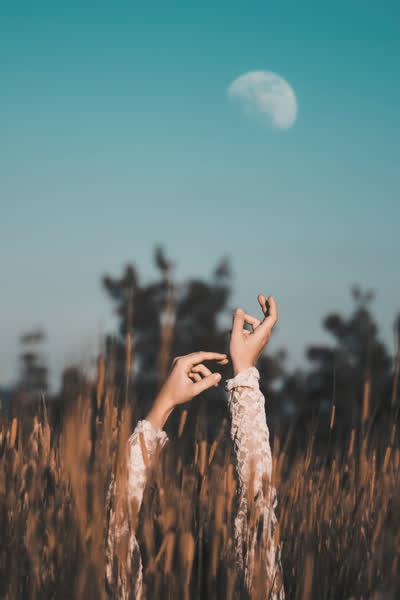 Mondpflege-Hype: In welcher Mondphase deine Masken, Peelings & Co. erst richtig wirken