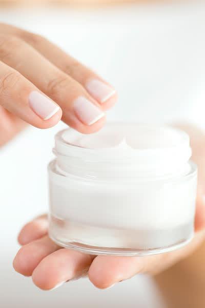 Beste Feuchtigkeitscreme für jede Haut: Diese Cremes sorgen für einen strahlenden Teint - und du kannst sie direkt shoppen