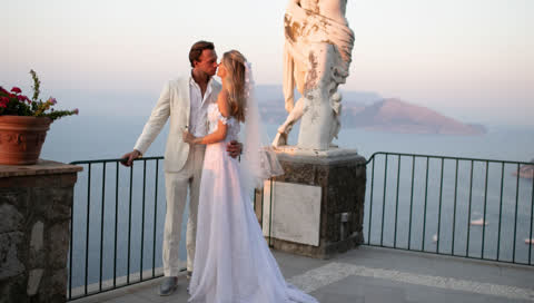 Gabriella de Givenchy trug zu ihrer Hochzeit auf Capri Haute Couture ihrer Familie