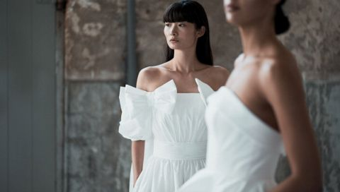 Trägerlose Brautkleider: 9 inspirierende Modelle aus den Brautmodekollektionen 2021