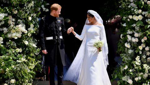 Von Prinzessin Diana bis Meghan Markle: Diese Schuhe versteckten sich unter royalen Brautkleidern