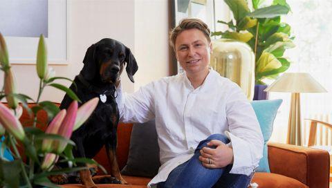 Dawid Tomaszewski: Der Modedesigner zeigt in seiner Berliner Wohnung, wie minimalistische Opulenz funktioniert