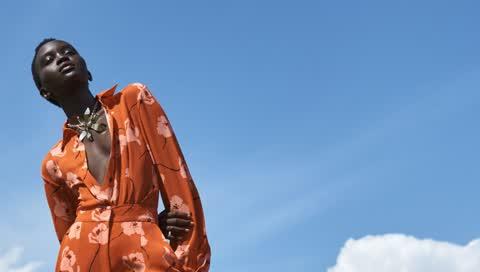 Der Jumpsuit als easy Allounder? Unbedingt! Das sind die 21 besten Mode-Basics für den Sommer