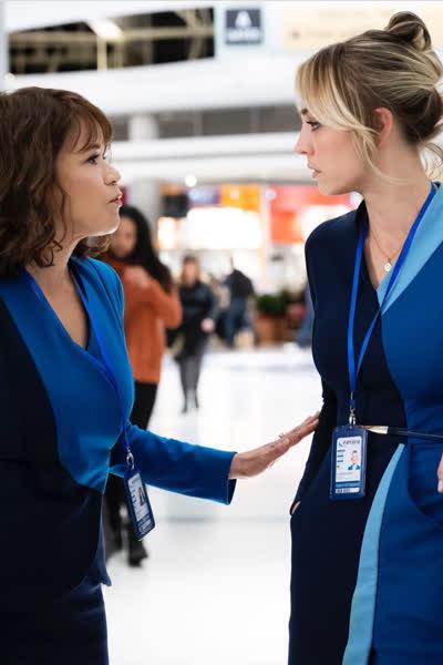 """""""The Flight Attendant"""": Die Hit-Serie mit Kaley Cuoco bekommt eine zweite Staffel - und das wissen wir bereits darüber"""
