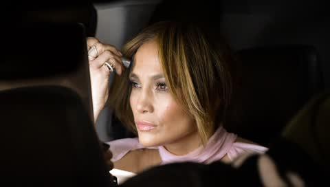 Jennifer Lopez' neue Hauptpflege-Serie: Steckt in diesen Produkten das Beauty-Geheimnis der 51-Jährigen?