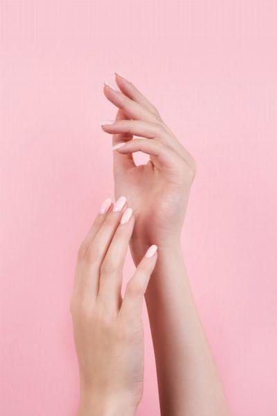 Handpeeling: In wenigen Schritten zu weichen Händen - die besten Tipps und DIY-Rezepte