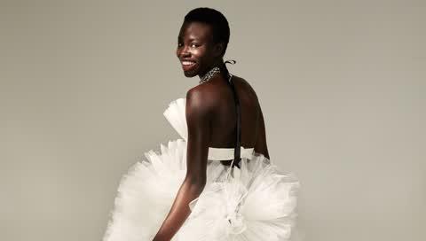 Kaviar Gauche enthüllt seine Brautkleider 2022 - und so sehen die traumhaften Kreationen aus