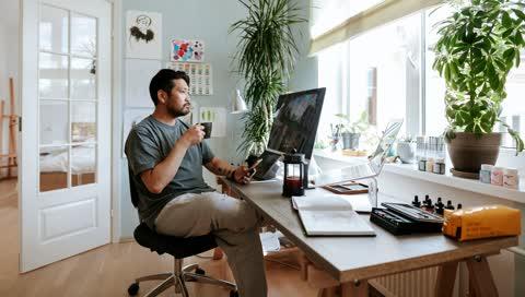 Pause machen im Homeoffice: Mit diesen 8 Tipps werden die Auszeiten wirklich erholsam
