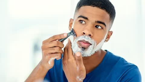 Richtig rasieren: Mit diesen Tipps gehts glatt