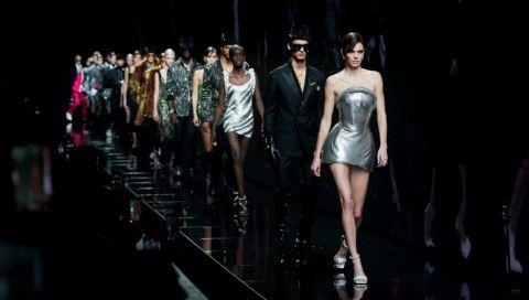 Bei Versace in der Front Row - diese Saison für jede(n) möglich!