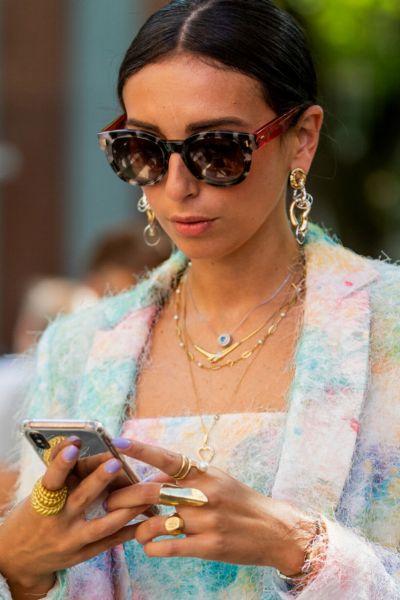 Diese 3 Insider-Marken sind perfekt für alle, die sich mit kleinem Budget luxuriös kleiden wollen