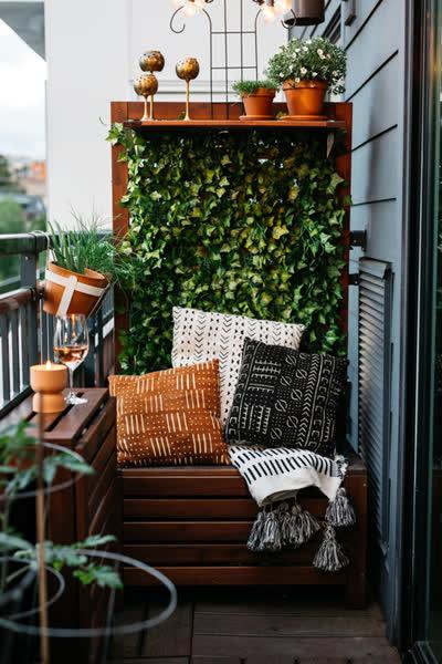 Kleinen Balkon gestalten: Die 8 besten Tipps - und welche Möbel und Deko dabei nicht fehlen dürfen