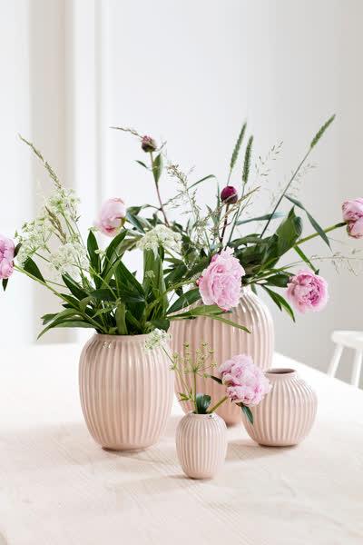 Skandi-Deko: Die 7 schönsten Trend-Vasen skandinavischer Design-Labels unter 56 Euro, die du im Frühling 2021 brauchst