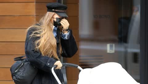 Gigi Hadid: So stylish geht sie mit ihrer Tochter spazieren