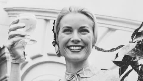 Grace Kelly: Die Geschichte hinter ihrem unbekannten zweiten Hochzeitskleid in Rosa