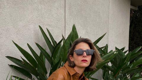Herbsttrend 2020: Warum ist dieses cognacfarbene Lederhemd von Mango derzeit überall zu sehen?