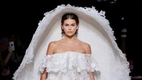 Brautkleider der Haute Couture: Kaia Gerber trägt das bisher extravaganteste Modell