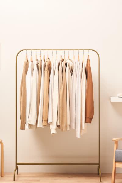 Capsule Wardrobe: Das sind die einzigen Teile, die du wirklich in deinem Kleiderschrank brauchst - plus: die perfekte Schritt-für-Schritt-Anleitung