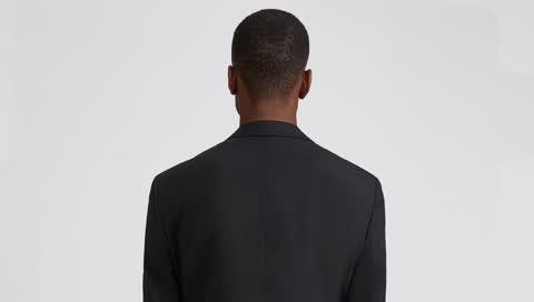 Business Casual: Mit diesen 10 Teilen werden Sie zum Meister der smarten Office-Outfits