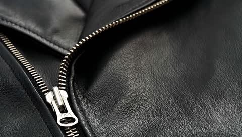Schwarzes Leder: 10 Trendpieces, die Sie diesen Winter brauchen