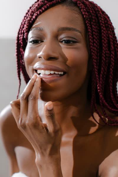 Die 9 besten Lippenpflegen, die deine spröden und trockenen Lippen sofort zart machen - und du kannst sie direkt shoppen