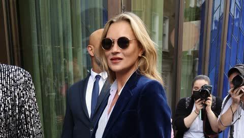 Kate Moss läutet das Comeback der guten alten Bootcut-Jeans ein