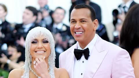 Hochzeiten 2020: Auf die Brautkleider dieser Stars freuen wir uns schon jetzt!