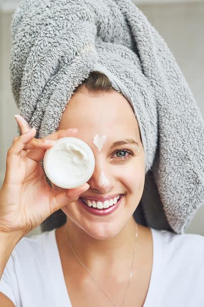 Hautpflege im Sommer: Das sind die 5 besten Tagescremes mit Lichtschutzfaktor