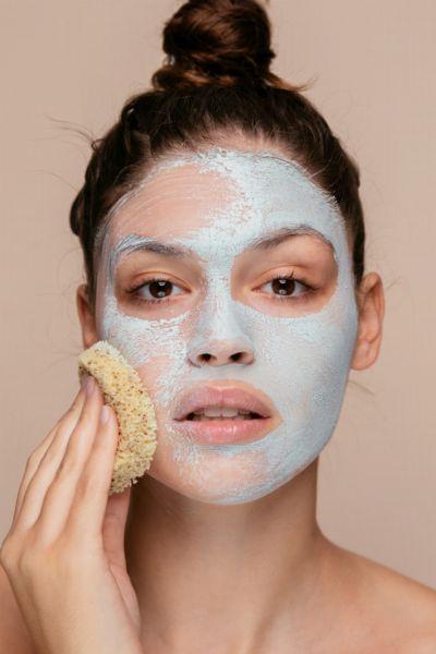 Tschüss, Pickel und verstopfte Poren! Diese Gesichtsmaske für ölige Haut geht auf TikTok gerade viral - und wir wissen, wo du sie shoppen kannst