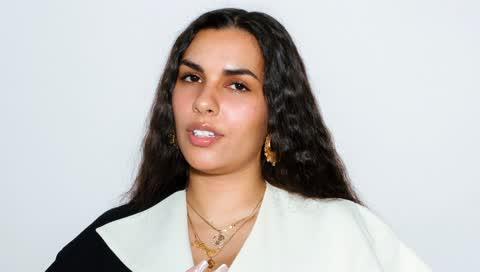 Mehr davon, Alizé Demange! Wie die Londoner Stylistin mit ihrem Styling-Kurs junge Kreative dabei unterstützt, in der Modewelt Fuß zu fassen