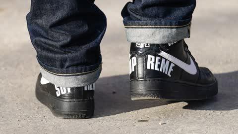 Echte Hype-Pieces: Das sind die 5 besten Supreme Sneaker