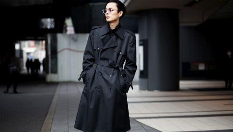 Trenchcoat kombinieren: So tragen Sie den Mantel mit Stil